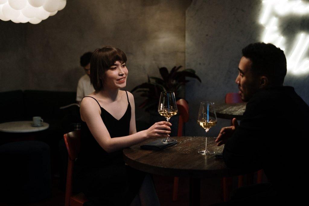 girls dating service